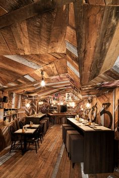 Kinoya Restaurant / Jean de Lessard | ArchDaily