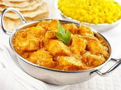 This chicken korma recipe definitely fits the bill. http://myweightlossdream.co.uk/daily-slimming-world-recipe-super-easy-chicken-with-curry-yogurt-sauce/ #weightloss #slimmingworld #recipes #chickenkorma