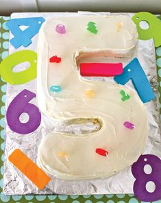 numbers-party-cake
