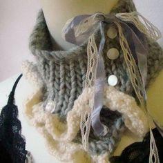 En invierno, el cuello tejido o las bufandas de punto son un accesorio funcional y fundamental, tanto para los hombres como para las mujeres.