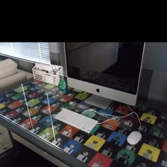 Upcycling old floppy disks recycl craft, offic desk, idea, stuff, creativ crafti, desks, diy dis, craft circl, ide decor