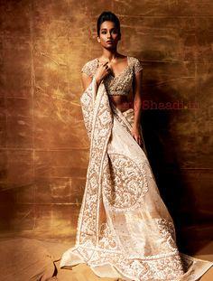 Indian Bridal Wear by Pallavi Jaikishan