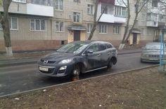 В Москве рекордно большие показатели краж автомобильных колес и дворников.