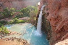 Havasu Falls near the Grand Canyon in Arizona pic.twitter.com/E81n3HsZH7