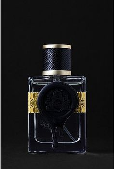 Royal Apothic's Societies of Scent Perfume: The Beehive Union - Top notes of honey, cream and lemon; middle notes of rose and lily; base notes of oak moss, amber and vanilla.
