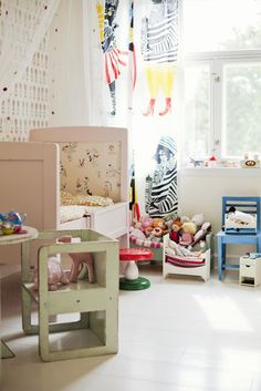 Kids room - Vintage bed and chair - Via Simply Happy
