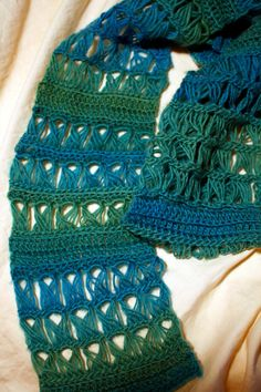 Easy Broomstick Lace Scarf - Emerald Isle. #broomstick #lace #fiber
