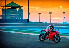 ducati 1199, ducati ride, bike motorcycl, ride experi, dubaiabu dhabi, 1199 panigal, dream car, ducati desmo, sport bike