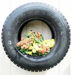 That's one way to recycle a tire. #DIY