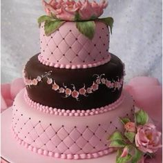 Pink and Brown cake! Just beautiful