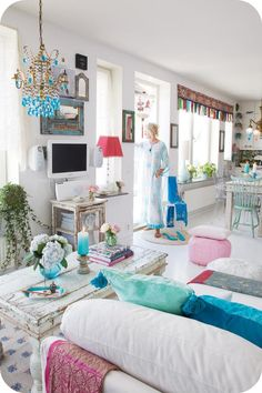 interior, boho chic, living rooms, blue, shabby chic, colors, white rooms, small houses, light