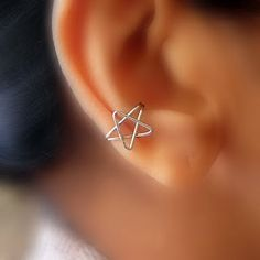 Cute little ear cuff made from jewelry wire.