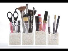 Organize Your Makeup: How to Organize Cosmetics in the Bathroom via @Alejandra Rial Jaso Rial Jaso Costello