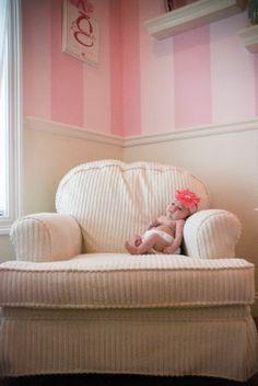 Google Image Result for http://1.bp.blogspot.com/_L-deInbQA9c/TComeGbwLSI/AAAAAAAAH9U/2qgyc5-PwR4/s1600/white-pink-shabby-chic-baby-nursery.jpg