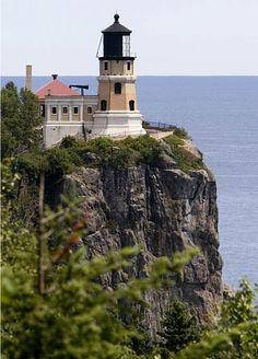 lighthouses around the world, amaz lighthous, minnesota, beauti lighthous, lakes, lake superior, places, split rock lighthouse, rocks