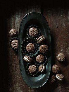 Mocha Crunch Macarons from @Sara Eriksson Baker Royale | Naomi