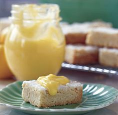 Oh, yummy lemon curd.  Smooth, no curds.