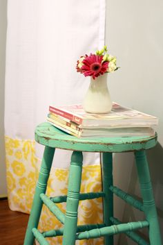 i love the color of this stool. that's the color my kitchen furniture should be.