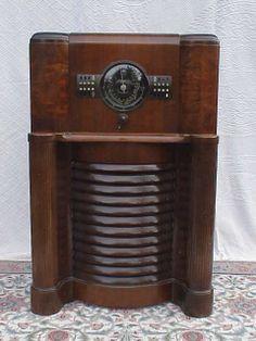 Zenith 1939 12S370 Console Radio