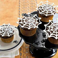 Itsy-Bitsy Spiderweb Cupcakes