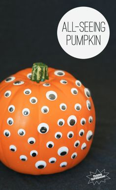 All-Seeing Pumpkin is easy for kids to make at PagingSupermom.com #elmers #craftit