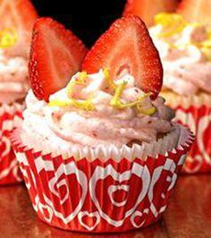 mouss cupcak, food, strawberri cupcak, strawberries, ice cream filled cupcakes, buttercream ice, strawberry cupcakes, dessert, darl strawberri