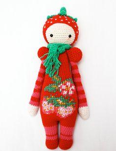Haakpatroon voor aardbeienmeisje - Lalylala modificatie on Etsy, €2,50 Crochet pattern for strawberry girl - Lalylala modification on Etsy, € 2,50