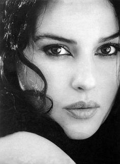 Monica Bellucci. - her eyes!