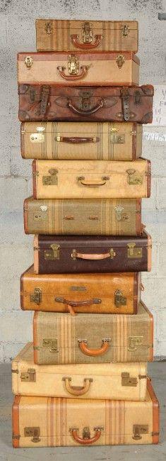 vintage suitcases, antique collections, antique stores, old suitcases, antique luggage, vintage travel, vintage luggage, art supplies, vintag suitcas