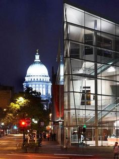 Insiders' Guide to Madison, Wisconsin: http://www.midwestliving.com/travel/wisconsin/madison-wisconsin/insiders-guide-to-madison-wisconsin/#