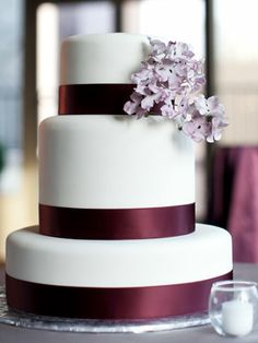 wedding planning ideas, simple cakes, simple weddings, wedding cakes, plum wedding, white cakes, modern cakes, elegant wedding, green flowers