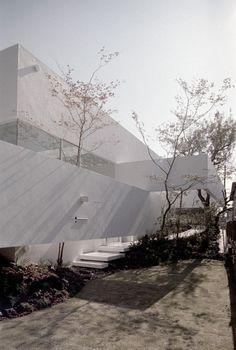 Minimalist-White-Clean Design