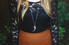 If you are looking for a bizarre and creepy looking, yet chic, jewelry piece, the Maybe Macabre Necklace is the DIY project for you. Perfect for the Halloween season, this project uses recycled bones to create a spooky and stylish DIY necklace.