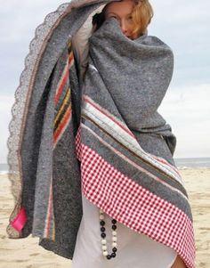 trim a grey blanket