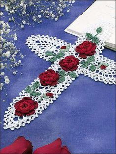 cross with roses, just beautiful crochet cross, bookmark, pineappl, doily patterns, red roses, crosses, xmas gifts, crochet patterns, crochet doilies