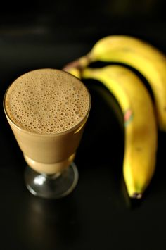 Coffee & Banana Smoothie - made w/yogurt. Use Greek-style yogurt for ⬆ protein.
