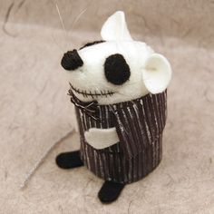 Jack Skellington nightmare before Christmas - cute felt mouse mice rat ornament gift for animal lovers tim burton fans - FREE SHIPPING by house of mouse. I'm def Getting this soooon!