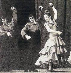 Te hago saber dos tristes noticias ocurridas ayer y hoy respectivamente:    Francisco Rodríguez Salido 'Curro Vélez', bailaor flamenco trianero, fundador del Tablao El Arenal de Sevilla, ha fallecido este lunes 7 de enero con 78 años de edad, a causa de una larga enfermedad.Nacido en el barrio de Triana en 1934, Curro Vélez ... : http://www.elcorreoweb.es/sevilla/160299/curro/velez/gigante/baile/ido