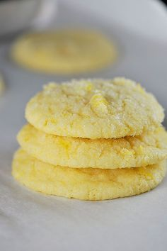 Chewy Lemon Sugar Cookie Recipe from addapinch.com // so delicious!