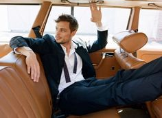 This is the sexiest I have ever seen Matthew Gray Gubler (aka Dr. Spencer Reid on Criminal Minds). He actually was a model for some of the biggest fashion designers, such as Marc Jacobs, Burberry, Louis Vuitton, Tommy Hilfiger and Sisley before getting ino TV and movies!!!
