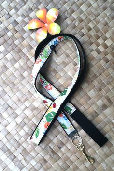 Dog leash pet constraints Hawaiian gifts pet gift by SewMeHawaii, $15.00