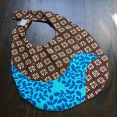 make your own baby bibs. Quick and easy.