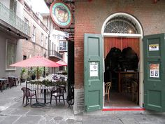 New Orleans Weddings: Cafe in Pirates Alley. Place to meet before and after a wedding in New Orleans
