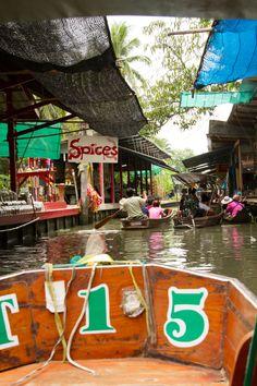 Floating Market, Bangkok, Thailand - Fantastic stopover when travelling to Koh Samui #thailand #bangkok #kohsamui #kosamui #kohsamuivillas