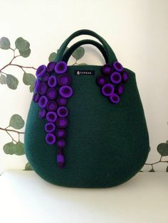 Atsuko Sasaki craft, purs, felt bags, bolso, fieltro, felt handbag, felt art, eyecatchingtaneno felt, felted bags