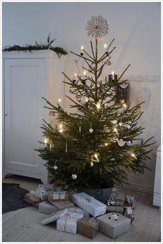Christmas holiday, tree idea, simpl tree, simpl christma, christma decor, christma tree, christma simplic, christmas trees, tree hous