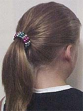 pony bead ponytail holder made with metallic pony beads. How neat is that!