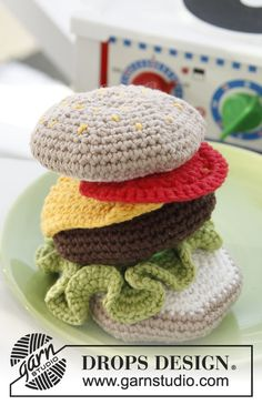 "Free pattern! #crochet DROPS hamburger in ""Paris"""