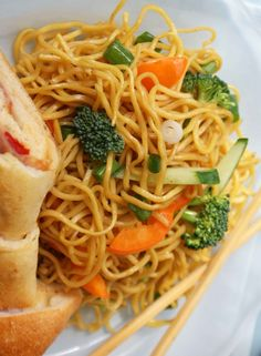 Healthy Sesame Noodles! These are super easy to make and they are really fast to cook! | babble