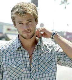 Chris Hemsworth. Gahhhhh. So beautious + manly!